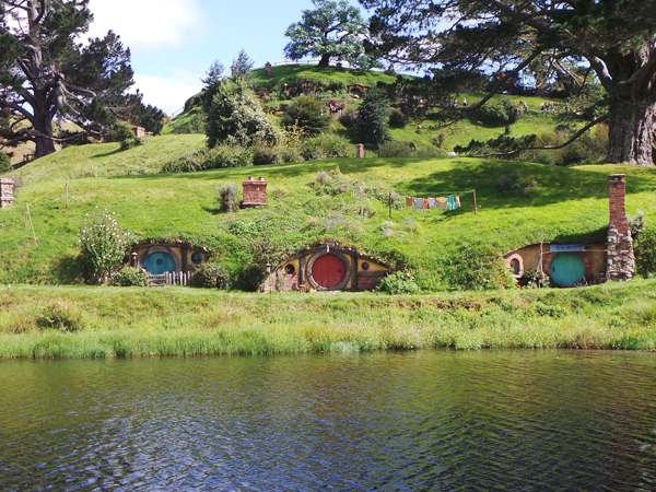 Hobbiton-End.png