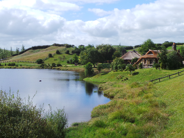 Hobbiton-The-Water.png